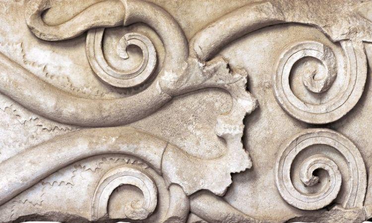 Ένα Ιερό βασιλικής λατρείας και ένα ποίημα σε αγγείο