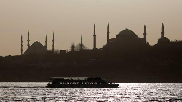 Ελεύθεροι Υπό Όρους 10 Απόστρατοι Ναύαρχοι Που Είχαν Συλληφθεί Με Εντολή Ερντογάν