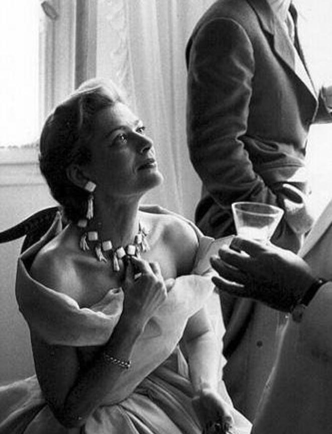 Μελίνα Μερκούρη: Σε Show Του Dior Το 1951 Στην Αθήνα