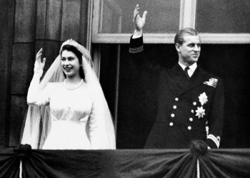 Πέθανε Το Στήριγμα Της Μακροβιότερης Βασίλισσας Στον Κόσμο