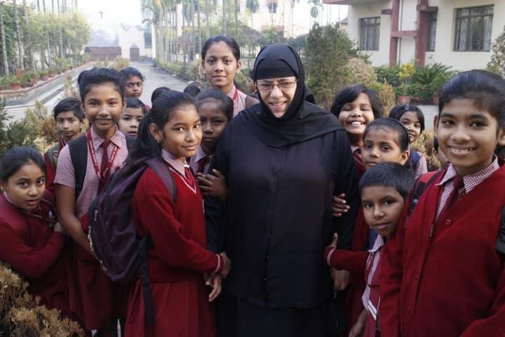 Αδελφή Νεκταρία, Η Μοναχή Σύμβολο Στη Μάχη Κατά Της Φτώχειας Και Του Αναλφαβητισμού Στην Ινδία