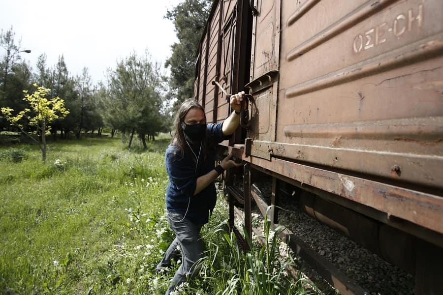 Πιερία: Ξεχασμένος σιδηροδρομικός σταθμός και 7 βαγόνια μετατρέπονται σε οικολογική τουριστική μονάδα