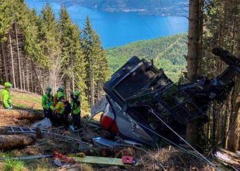 Τραγωδία στην Ιταλία: Τελεφερίκ συνετρίβη σε βουνό