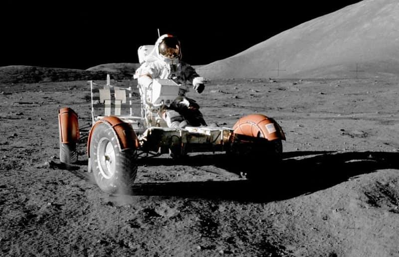 Lockheed Martin και General Motors συνεργάζονται για οχήματα στη Σελήνη