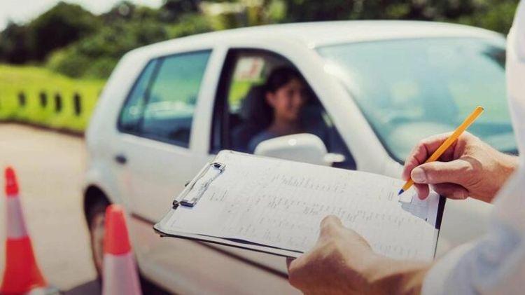 Διπλώματα Οδήγησης: Εξετάσεις Από Τα 17, Εξεταστής Και Κάμερες Τα 10 «Sos» Του Νέου Νομοσχεδίου
