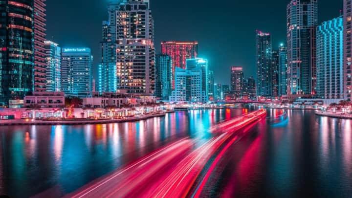 Ακτινοβολεί Το Νυχτερινό Ντουμπάι Με Τον Φακό Του Xavier Portela