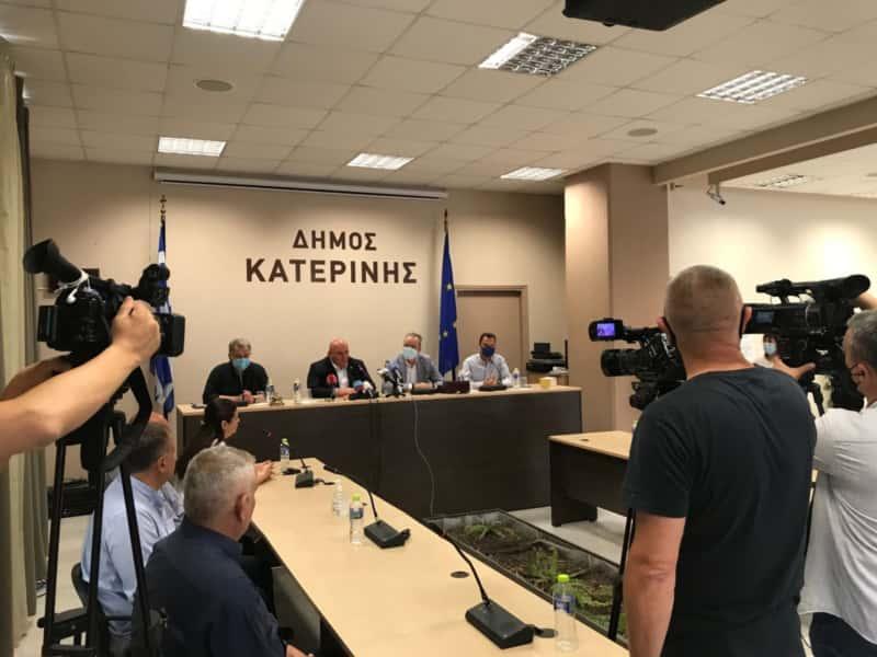Αντιπροσωπεία υψηλόβαθμων Σέρβων αξιωματούχων στο Δημαρχείο
