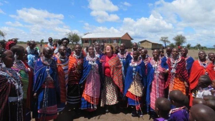 Η Ελληνίδα φύλακας άγγελος της κοινότητας των Μασσάι στην Κένυα