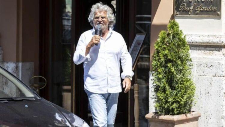 Ιταλία: Παραπέμπεται Σε Δίκη Ο Γιος Του Μπέπε Γκρίλο