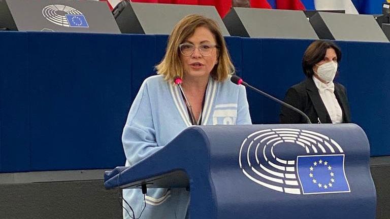 Μαρία Σπυράκη: Στήριξη μικρομεσαίων με λιγότερη γραφειοκρατία και ταχύτερες πληρωμές