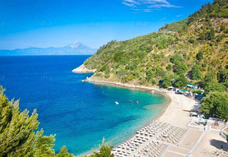 Με συγκρατημένη αισιοδοξία αντιμετωπίζουν οι ξενοδόχοι τη φετινή τουριστική σεζόν