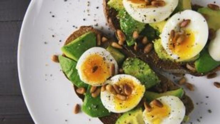 Όσοι αρχίζουν να τρώνε πριν τις 8:30 το πρωί, μειώνουν τον κίνδυνο διαβήτη