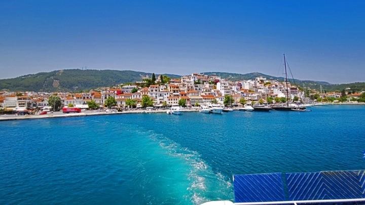 Σήκωσε άγκυρα το πρώτο πλοίο από το λιμάνι της Θεσσαλονίκης για τις Σποράδες