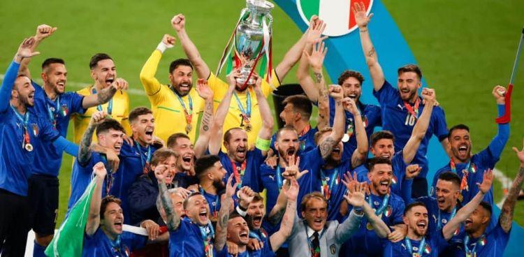 Η Τρίτη γνώμη: Football`s Coming Rome…