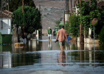 Μετά τον καύσωνα, έρχεται «ψυχρή λίμνη» με επικίνδυνες καταιγίδες