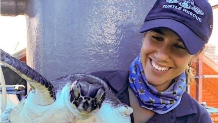 Μια Ελληνίδα φύλακας – άγγελος για τον Μπομπ και άλλες θαλάσσιες χελώνες στη Νότια Αφρική