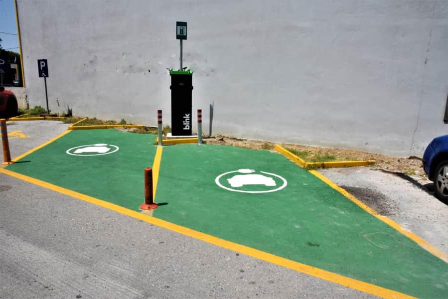 Σταθμός φόρτισης ηλεκτρικών οχημάτων