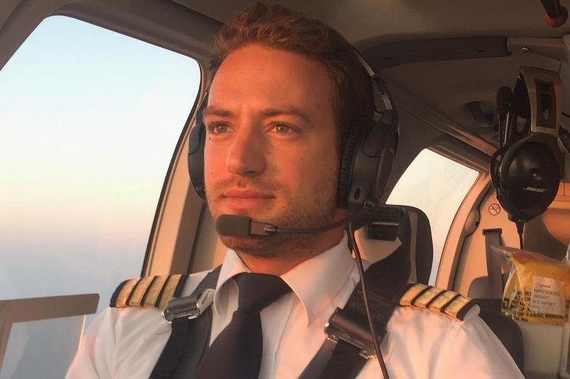 Γλυκά Νερά: «Ο πιλότος ίσως σκότωσε την Καρολάιν επειδή ανακάλυψε ότι διακινούσε ναρκωτικά» ισχυρίζεται η Mirror