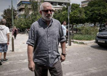 Πέτρος Φιλιππίδης: Έγκλειστος Στη Βίλα Εδώ Και Πέντε Μήνες, Περιμένει Την Ώρα Του Ανακριτή