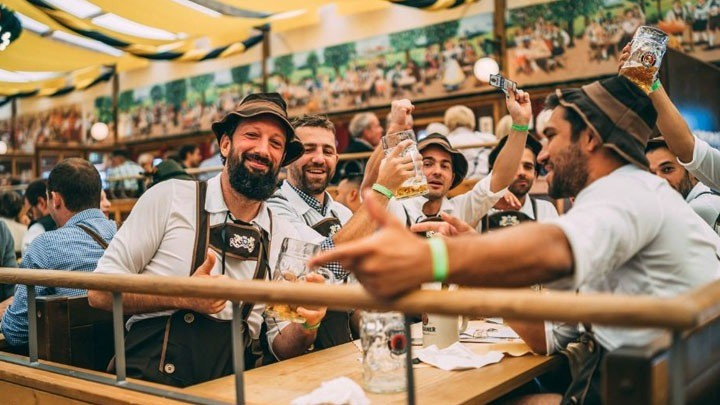 Μπίρα: Από τους «μεθύστακες των πυραμίδων» στο δημοφιλές Oktoberfest