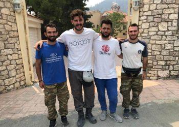 Παιδιά απ' την Κοζάνη εθελοντικά στην Εύβοια