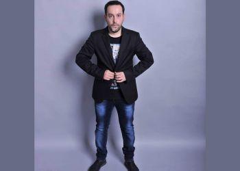 Στέφανος Καλλιανίδης: Ένας μουσικός δημιουργός που αγαπά πολύ την κωμωδία
