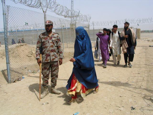 Αφγανιστάν: Εκατομμύρια γυναίκες στο έλεος των Ταλιμπάν