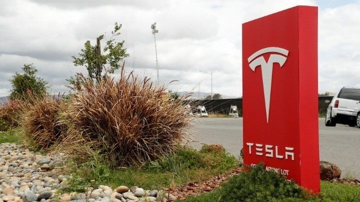 Η Tesla ετοιμάζει ανθρωποειδές ρομπότ