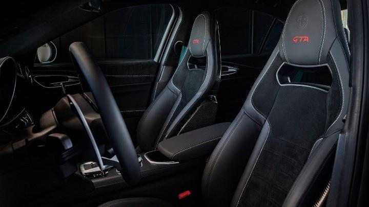 Η σωστή θέση του καθίσματος του οδηγού αποτρέπει πόνους στον αυχένα, στην πλάτη και στα πόδια