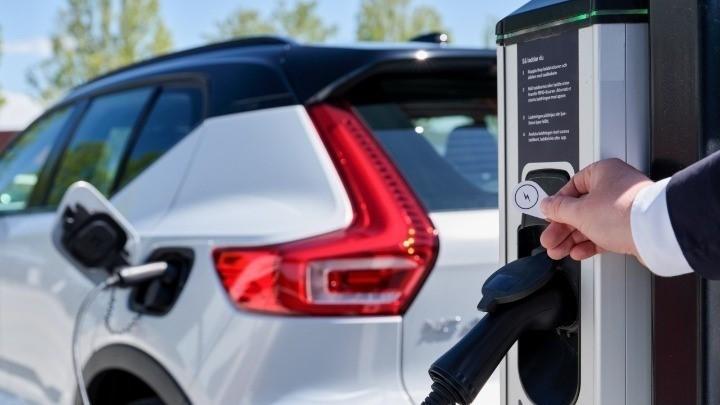 Ηλεκτρικά Οχήματα: Έχουν 60% 68% χαμηλότερες εκπομπές
