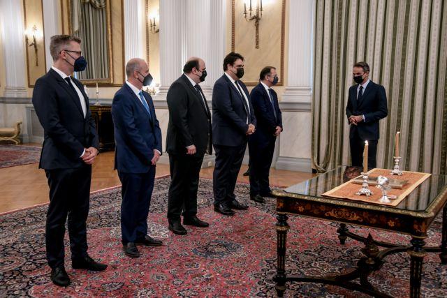 Oρκίστηκαν οι νέοι υπουργοί και υφυπουργοί