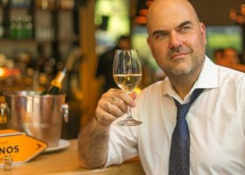 "Winelovers: 30.000 ""εραστές"" του κρασιού ταξιδεύουν σε όλον τον κόσμο αναζητώντας… νέες ετικέτες"