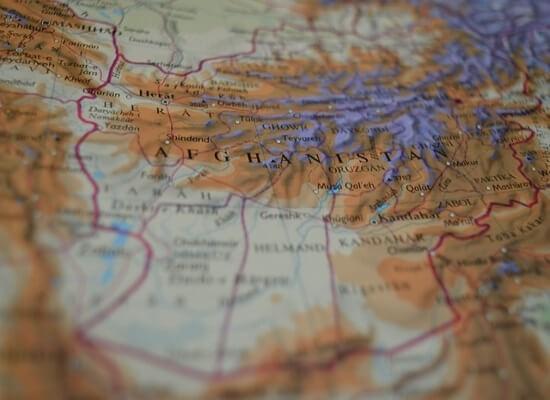 Αφγανιστάν: εμπόριο ναρκωτικών και σπάνιες γαίες
