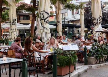 «Ενέσεις» ρευστότητας στην αγορά Πώς θα στηριχτούν εστίαση, τουρισμός, λιανεμπόριο