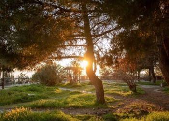 Καιρός σήμερα: Βελτιωμένος με ήλιο και 30άρια – Πού μπορεί να ψιχαλίσει