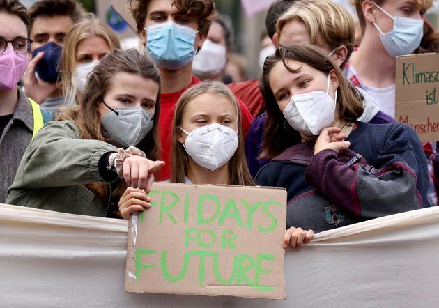 Κλιματική Αλλαγή: Οι νέοι του πλανήτη επιστρέφουν στους δρόμους