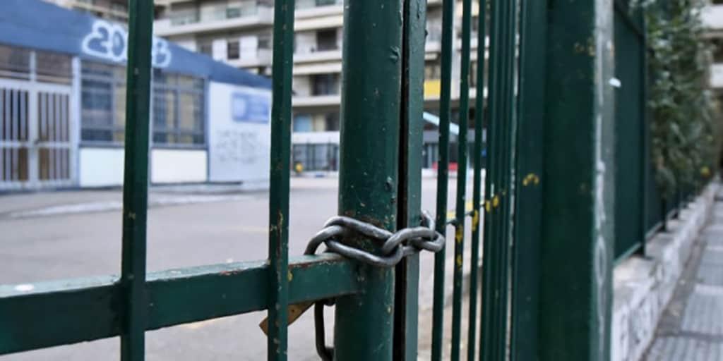 Κορονοϊός – Παυλάκης: Να μην ανοίξουν την επόμενη εβδομάδα τα σχολεία – Να γίνει υποχρεωτικός ο εμβολιασμός παντού