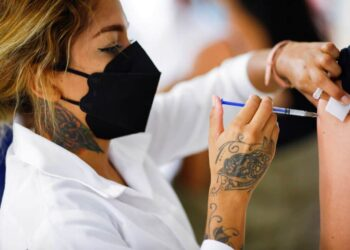 Κορονοϊός: Πόσοι πολίτες πρέπει να εμβολιαστούν για να υπάρξει ανοσία