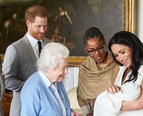 Μέγκαν Μαρκλ & Πρίγκιπας Χάρι Τι ζήτησαν από την βασίλισσα Ελισάβετ;
