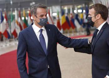 Μητσοτάκης – Μακρόν: Προς ανακοίνωση αμυντικής συμφωνίας για προμήθεια φρεγατών Belhara και κορβετών