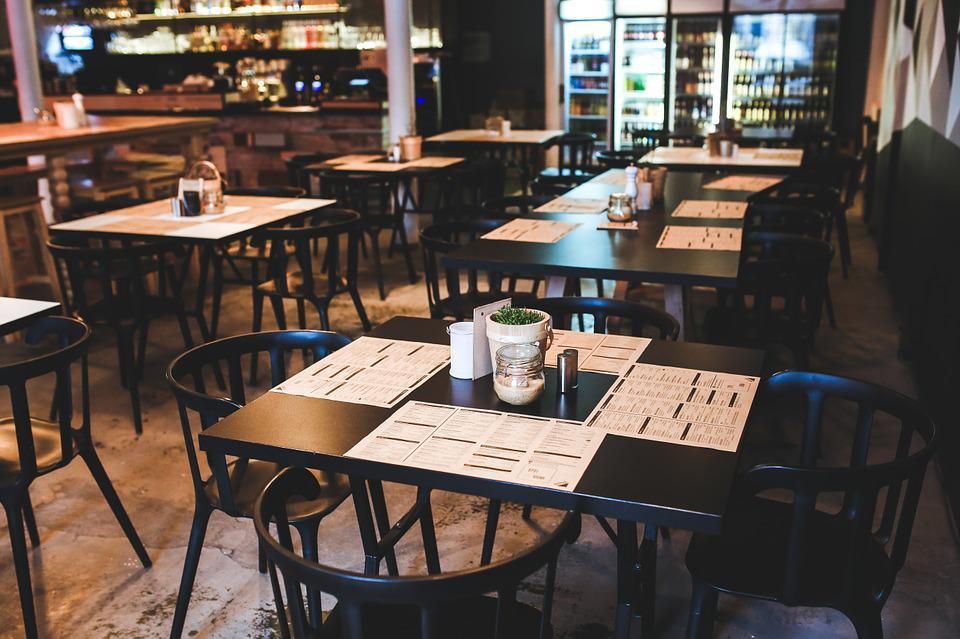 Νέα μέτρα για ανεμβολίαστους: Τι ισχύει για εστιατόρια, μπαρ, ταβέρνες