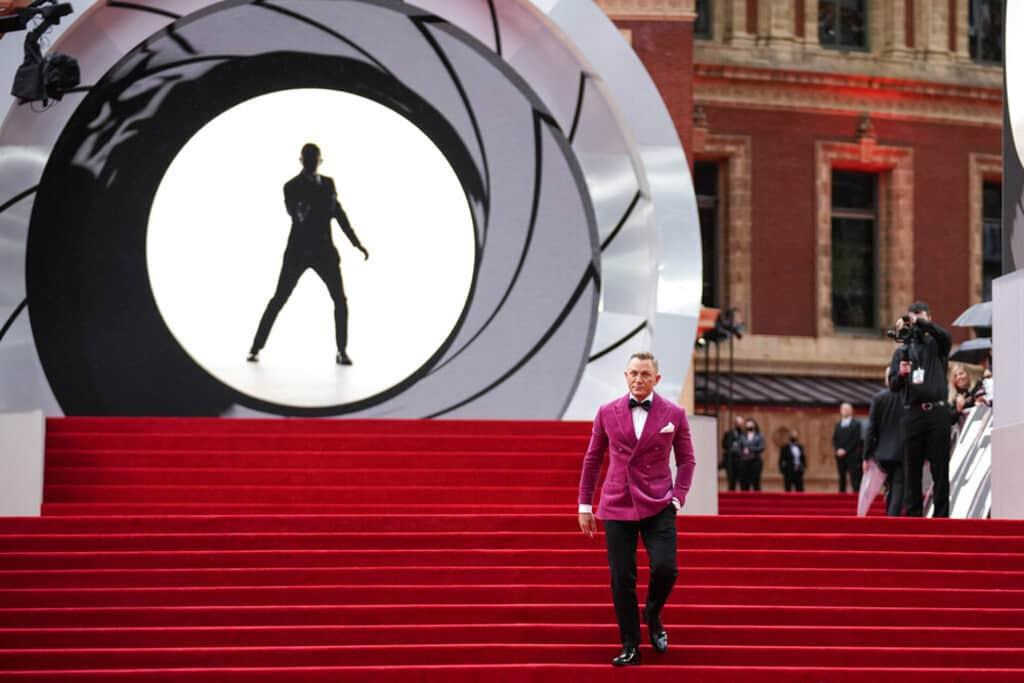 No Time To Die: «Βασιλική» λάμψη στην παγκόσμια πρεμιέρα του νέου Τζέιμς Μποντ στο Λονδίνο – Μετά από τρεις αναβολές