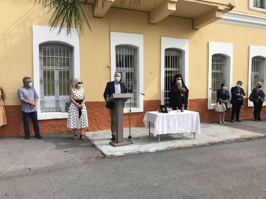 """Ο Δήμαρχος Κώστας Κουκοδήμος στον καθιερωμένο αγιασμό για τη νέα σχολική χρονιά """"Πρώτο κουδούνι"""" στις σχολικές μονάδες του Δ.Κατερίνης"""
