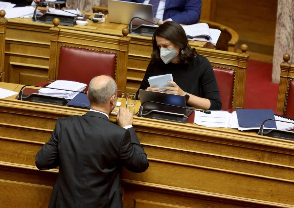 Παρέμβαση του Φώντα Μπαραλιάκου για την λειτουργία των ολιγομελών τμημάτων Γενικών Λυκείων και ΕΠΑΛ