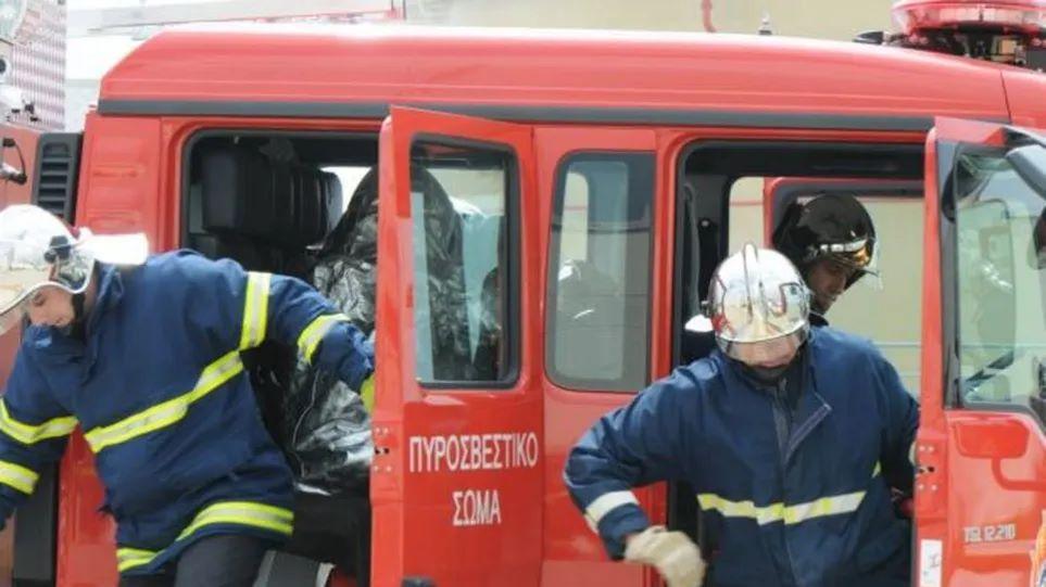 Πιερία: Ολοκληρώθηκε επιχείρηση της Πυροσβεστικής για διαρροή αμμωνίας από δεξαμενή φορτηγού