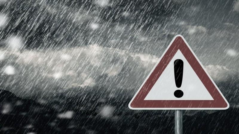 Ραγδαία επιδείνωση του καιρού αναμένεται τις επόμενες ώρες με βασικά χαρακτηριστικά τις ισχυρές βροχές και καταιγίδες