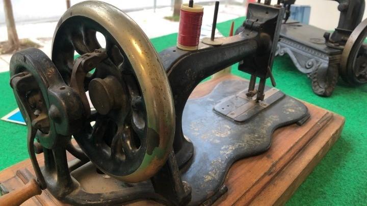 Αγέραστες ραπτομηχανές 150 ετών από τη συλλογή ενός τεχνίτη
