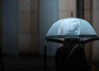 Καιρός σήμερα: Βροχές και κρύο