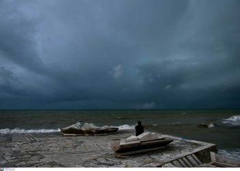 Καιρός σήμερα: Καταιγίδες και θυελλώδεις άνεμοι