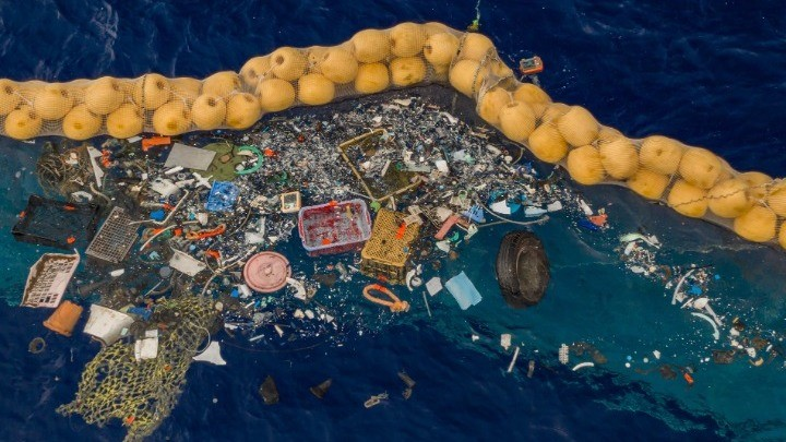 To Παρίσι κηρύσσει τον πόλεμο κατά των πλαστικών